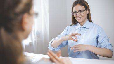 Photo of How to become an Auslan Interpreter